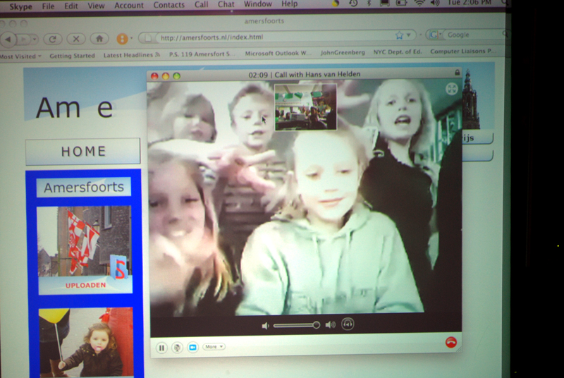 Skyping with children from the Netherlands - Joris School